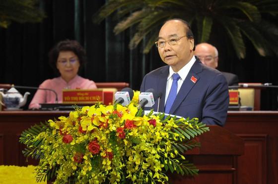 Thủ tướng Nguyễn Xuân Phúc: Trung ương sẽ lắng nghe, tạo mọi điều kiện cho TPHCM phát triển ảnh 1