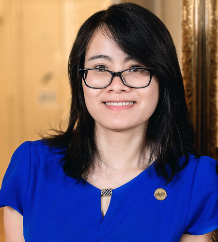 Chị Thanh Hương từng kinh qua nhiều tập đoàn lớn, trong đó từng làm tới vị trí manager tại tập đoàn Accenture của Mỹ. Hiện chị làm quản lý thanh khoản cho một trong các ngân hàng lớn nhất trên thế giới, trụ sở ở Pháp. Ảnh: Nhân vật cung cấp.