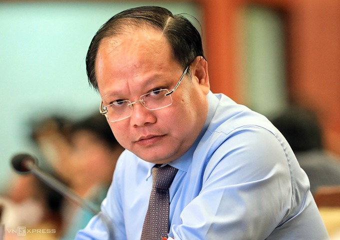 Ông Tất Thành Cang tại cuộc họp HĐND TP HCM hồi tháng 4/2019. Ảnh: Hữu Khoa.
