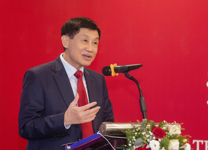 Ông Johnathan Hạnh Nguyễn hợp tác mở cửa hàng miễn thuế dưới phố đầu tiên ở Hà Nội - Ảnh 3.