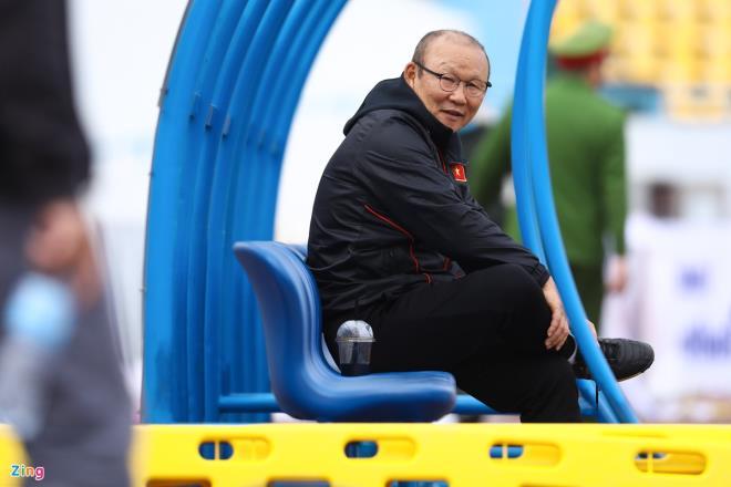 HLV Park Hang Seo: Trọng trách bảo vệ ngôi vô địch là gánh nặng - 1