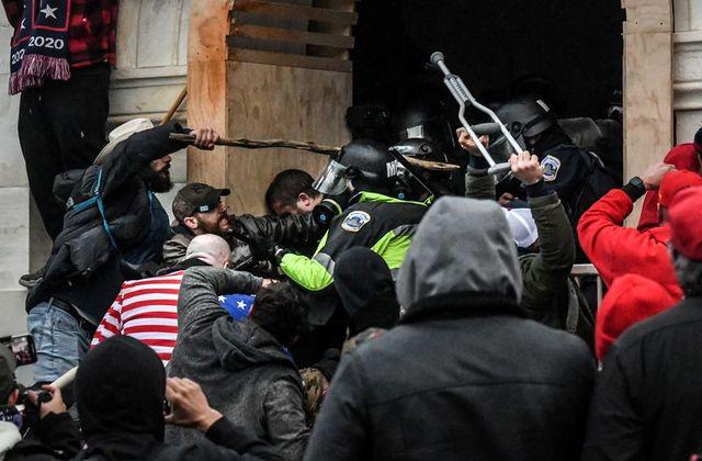 Mỹ công bố âm mưu của những kẻ bạo loạn Điện Capitol - Ảnh 2.