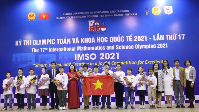 Việt Nam giành 2 Huy chương Vàng Olympic Toán học và Khoa học quốc tế - ảnh 1