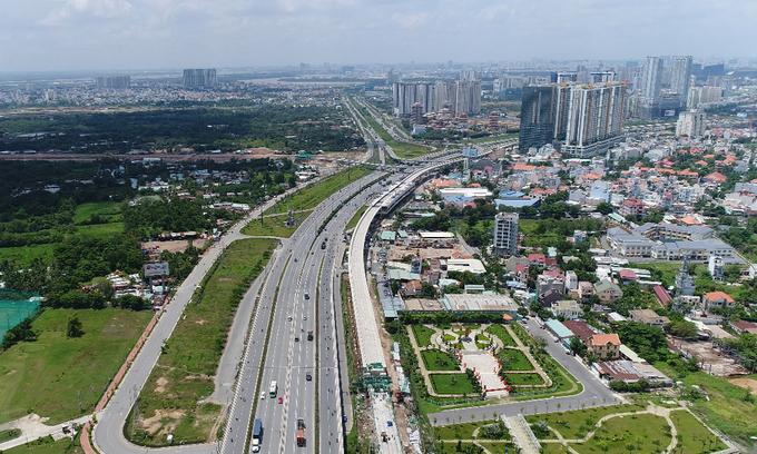 Thị trường bất động sản phía Đông TP HCM. Ảnh: Trần Quỳnh.