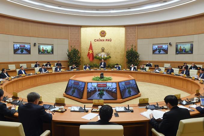 Thủ tướng Nguyễn Xuân Phúc và các thành viên Chính phủ tại cuộc họp với các tỉnh, thành sáng nay. Ảnh: Quang Hiếu/VGP.