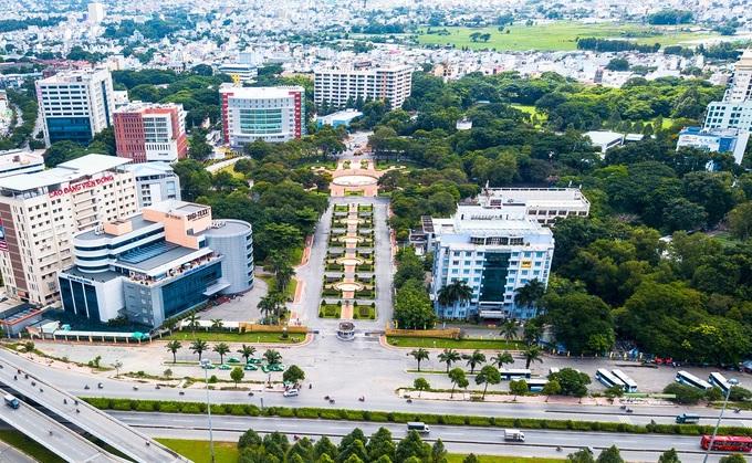 Công viên phần mềm Quang Trung, quận 12, đoạn tiếp giáp với Quốc lộ 1A. Ảnh: N. Hoa.