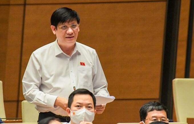 Bộ trưởng Y tế Nguyễn Thanh Long báo cáo trước Quốc hội chiều 25/7. Ảnh: Giang Huy