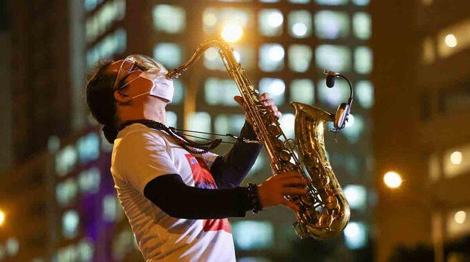 Saxophone Trần Mạnh Tuấn. Ảnh: Ngô Trần Hải An.