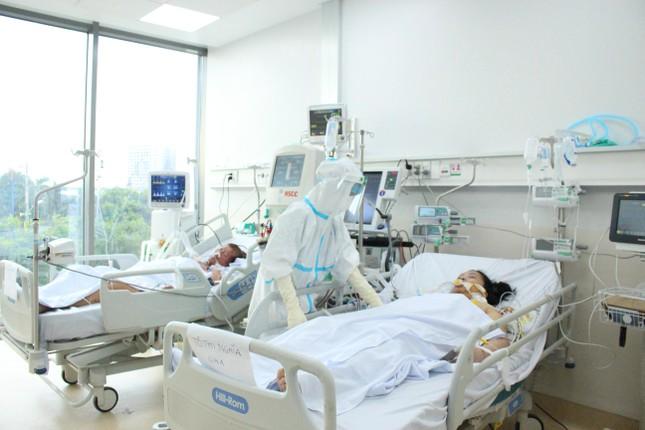 Khi người thân 'bặt vô âm tín' với bệnh nhân COVID-19... ảnh 1