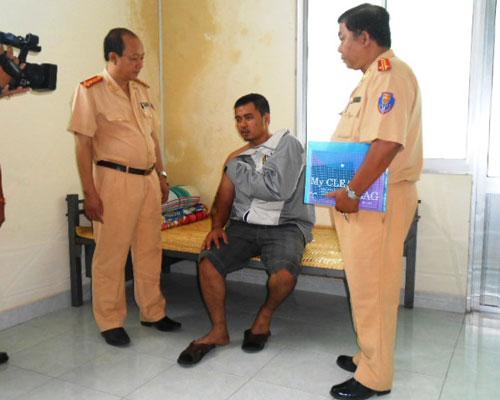 trung úy hà trong vụ bắt cướp