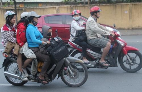 Người Sài Gòn cũng xuýt xoa vì lạnh