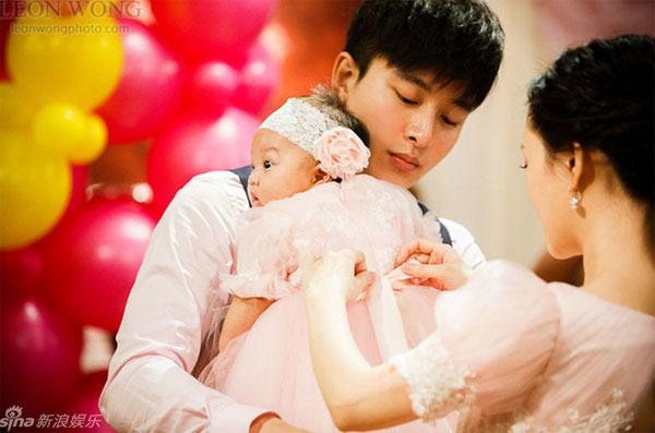 Những khoảnh khắc đẹp của gia đình Lý Tiểu Lộ.