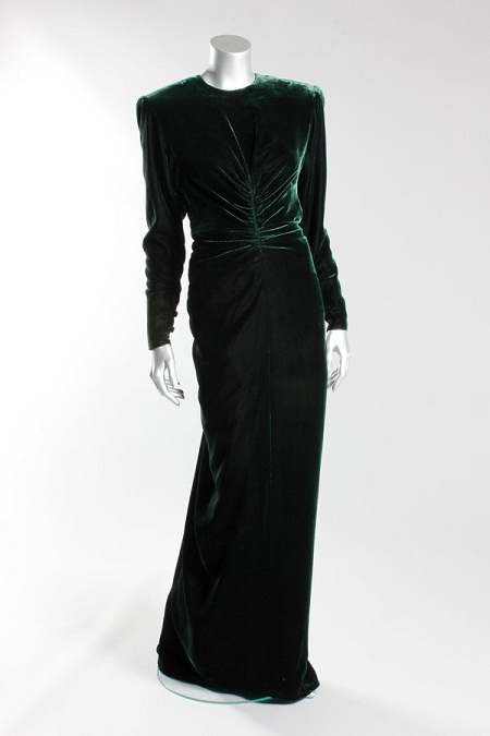 Đấu giá những bộ đầm đẹp nhất của công nương Diana