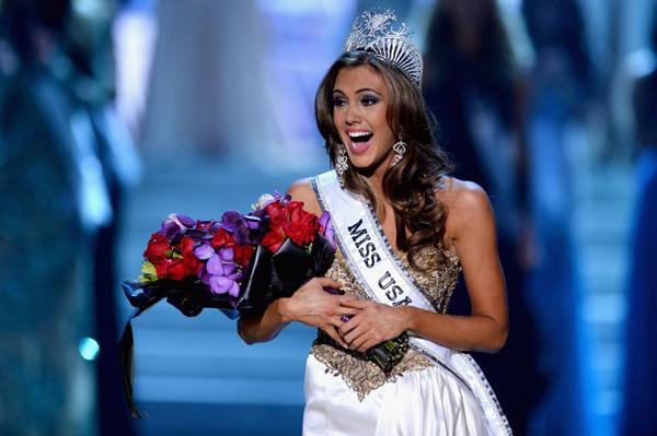 Erin Brady, 25 tuổi, đăng quang trong đêm chung kết Hoa hậu diễn ra vào tối 16/6 (sáng nay theo giờ VN) tại resort Planet Hollywood ở Las Vegas.