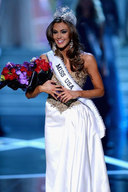 Cô rạng ngời hạnh phúc khi trở thành người chiến thắng. Á hậu 1 thuộc về Miss South Carolina và Á hậu 2 được trao cho Miss Texas.