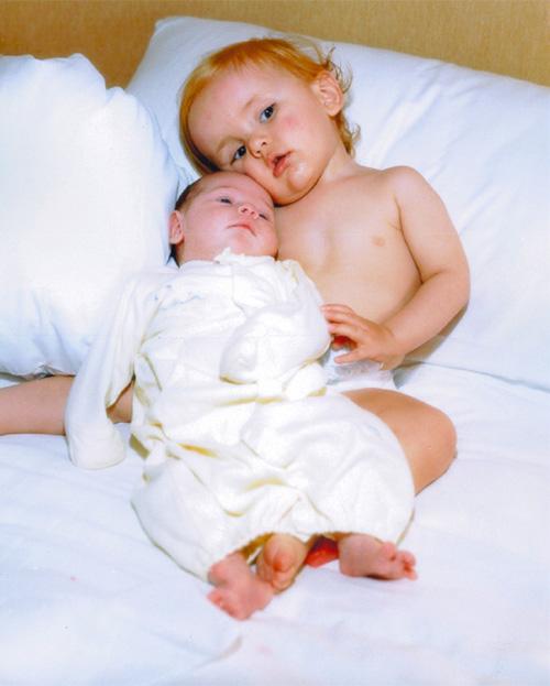 Prince và khoảnh khắc cute bên em gái bé bỏng.