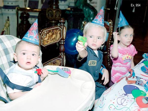 Các nhóc tì kháu khỉnh trong bữa tiệc sinh nhật tại nhà Jackson.
