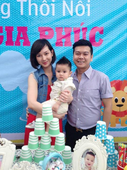 Quỳnh Chi tổ chức thôi nôi cho con trai - 2