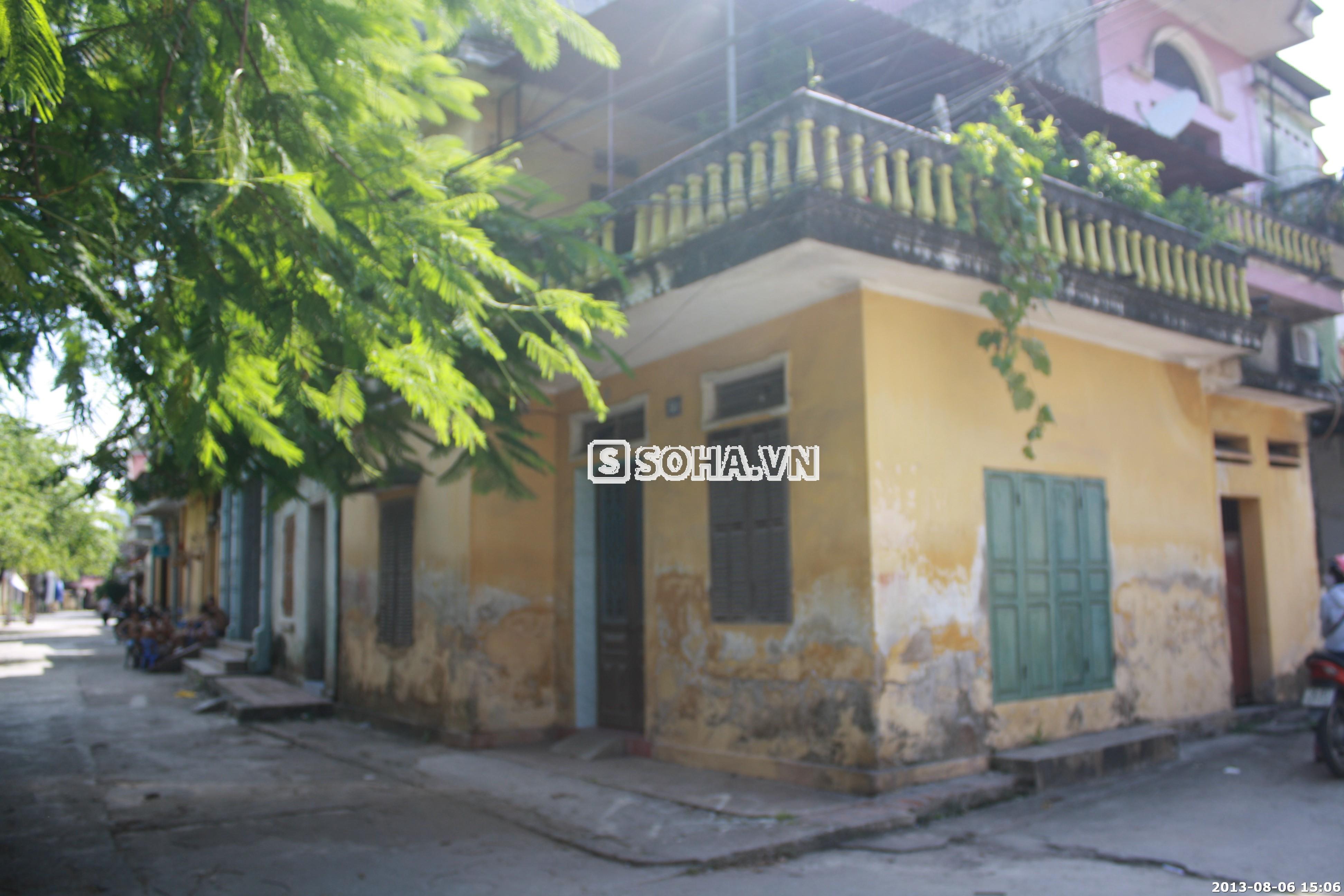 Nhà Tùng Lâm nằm khiêm nhường trong 1 góc phố nhỏ của phường Đáp Cầu tp Bắc Ninh.