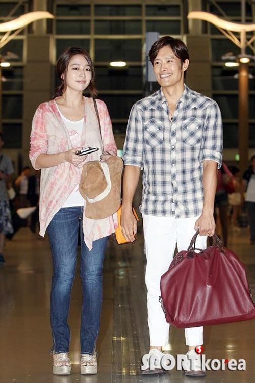 Bắt gặp vợ chồng Lee Byung Hun đi trăng mật - 10
