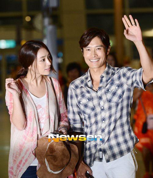 Bắt gặp vợ chồng Lee Byung Hun đi trăng mật - 11