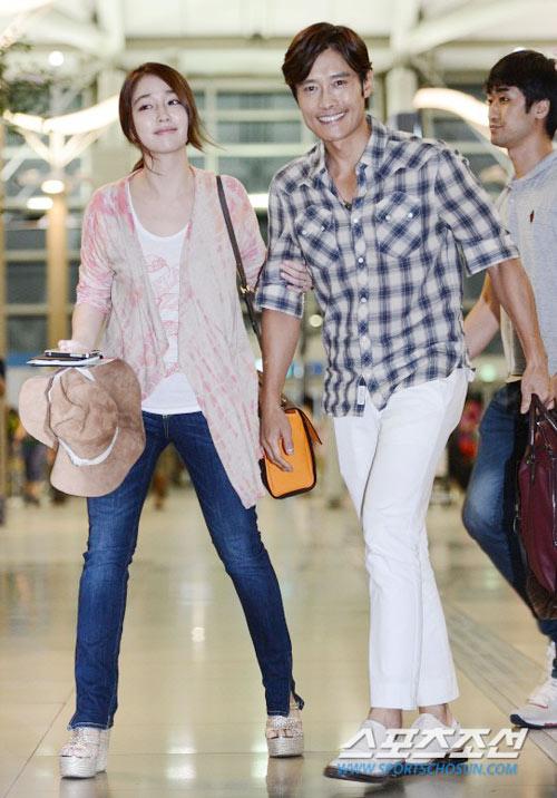 Bắt gặp vợ chồng Lee Byung Hun đi trăng mật - 3