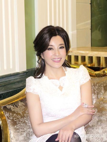 Lộ diện chồng mới cưới của Lưu Hiểu Khánh 1