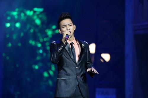 Bố mẹ chồng Hà Tăng hào hứng xem Mr Đàm hát - 8