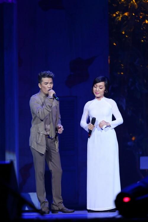 Bố mẹ chồng Hà Tăng hào hứng xem Mr Đàm hát - 10