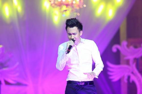 Bố mẹ chồng Hà Tăng hào hứng xem Mr Đàm hát - 11