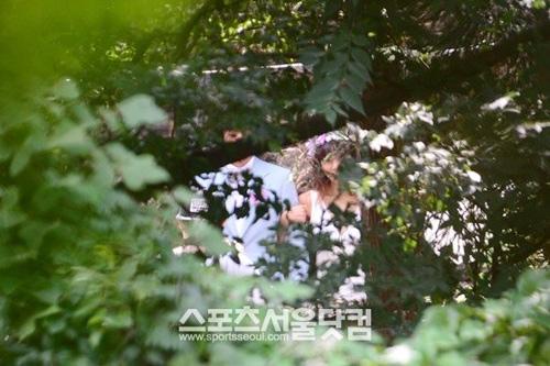 Lộ ảnh cưới hiếm hoi của Lee Hyori - 1