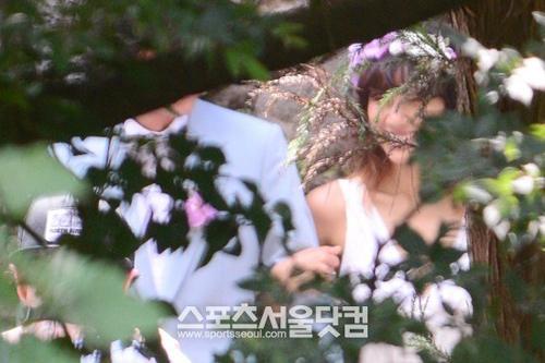 Lộ ảnh cưới hiếm hoi của Lee Hyori - 5