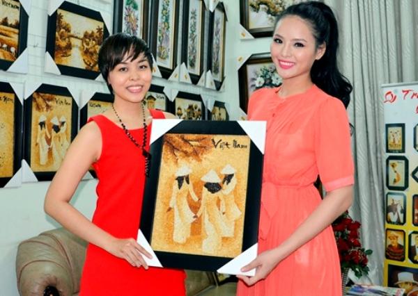 Lại Hương Thảo mang tranh gạo Việt đến Miss World 2013 4