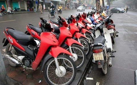 Thu phí lưu hành xe máy