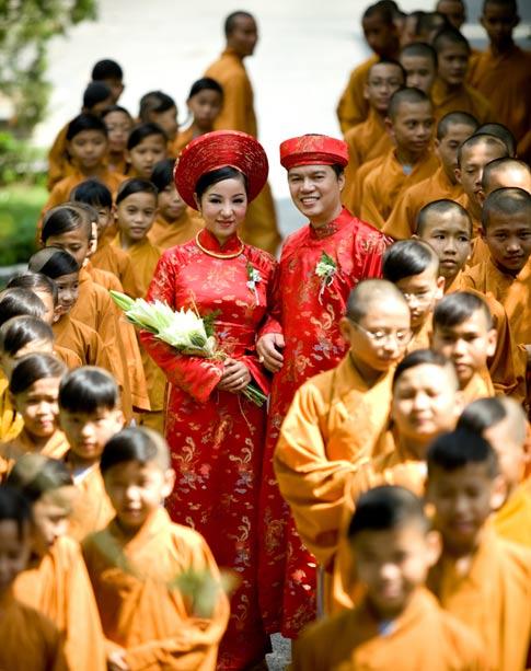 đám cưới trong chùa