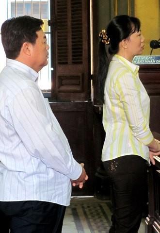 Quan huyện và nữ đại gia Sài Gòn sắp hầu toà