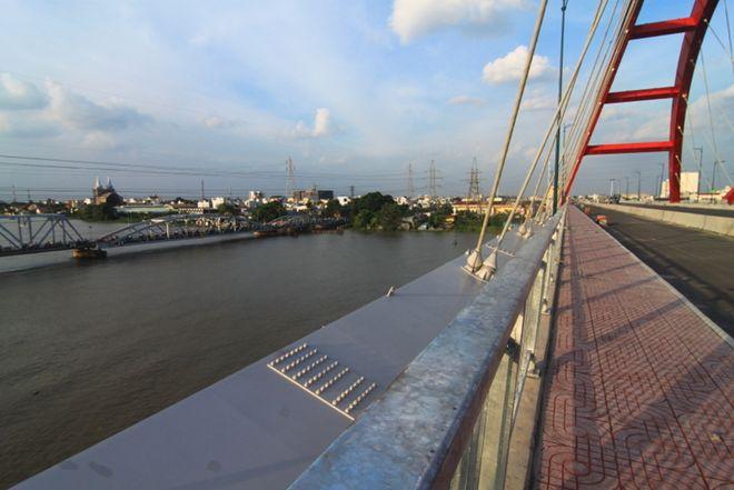 cây cầu, khánh thành