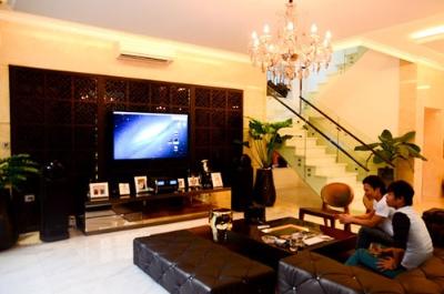 Nội thất cao cấp bên trong ngôi nhà của Trương Ngọc Ánh