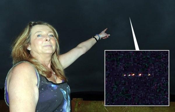 Phát hiện UFO bay lượn trên nóc nhà