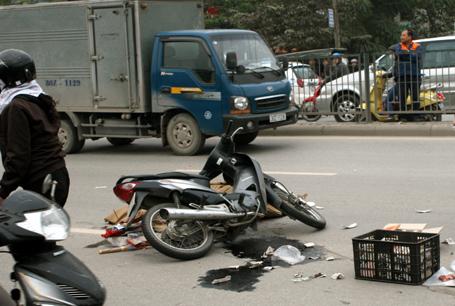 Người phụ nữ tử vong vì bị xe trộn bê tông chèn qua.