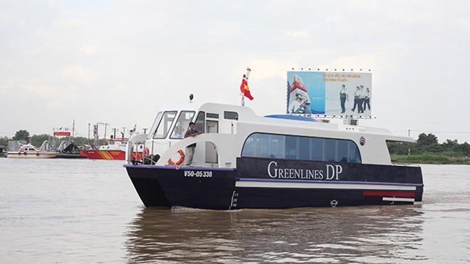 Hôm qua (11/7), ông Trần Song Hải, giám đốc công ty Greenline DP (Greenline DP) cho biết dự kiến trong tháng 8/2014, công ty này sẽ đưa 5 chiếc tàu cao tốc vào hoạt động tuyến TP.HCM - Vũng Tàu. Sau đó, cứ mỗi tháng sẽ đưa thêm một tàu vào hoạt động cho tới lúc đội tàu đủ 10 chiếc.