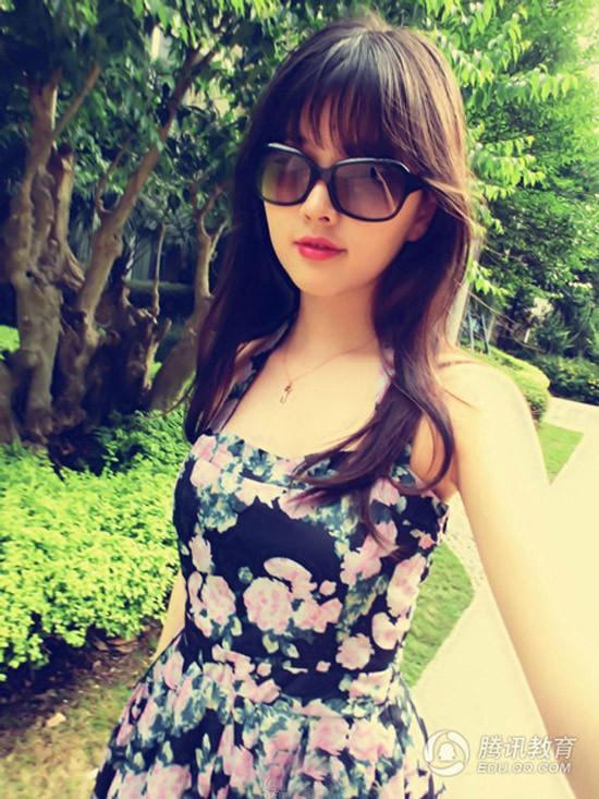Nữ sinh đại học bỗng dưng nổi tiếng vì quá xinh