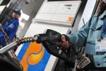 Xăng giữ giá, dầu tăng gần 500 đồng