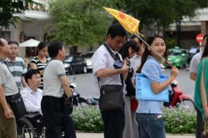 """Nghịch dị khách Trung Quốc sang VN: Trái đắng ''made in China"""""""