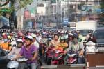 Phố biển Nha Trang cũng kẹt xe cứng ngắc kéo thành hàng dài