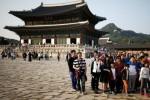 Hàn Quốc điêu đứng trước sức mạnh khách Trung Quốc