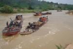 Việt Nam cạn kiệt cát vẫn xuất khẩu: Sẽ nhập cát như...than?