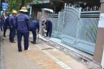 Chính quyền thành phố tạm ngưng dọn dẹp vỉa hè vì bị dân phản ứng