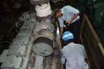 Tàu vỏ thép hư hỏng nằm bờ, không phải thay máy mới là xong