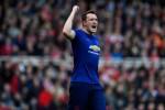 Chuyển động Man Utd: Jones, Darmian được giữ lại
